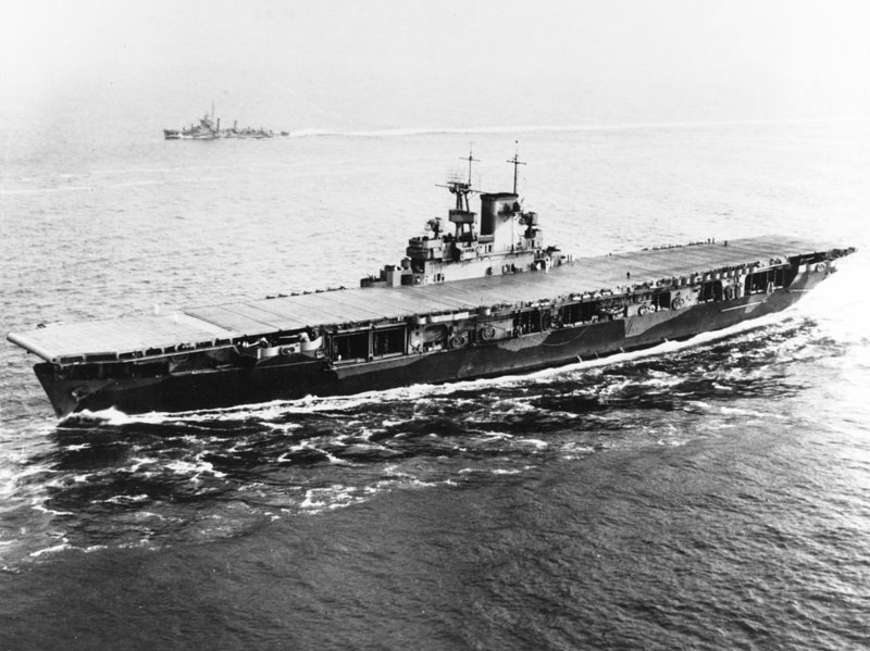 USS_Wasp_(CV-7)_entering_Hampton_Roads_on_26_May_1942.jpg