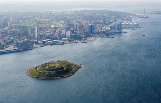 Georges_Island_Halifax_Harbour.jpg